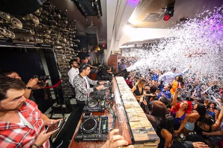 Joe Jonas DJ-ing at Hyde Bellagio