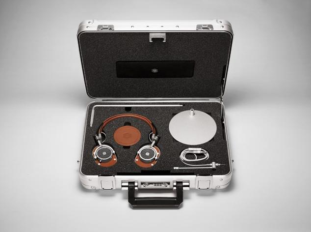 Master & Dynamic x Halliburton Kit
