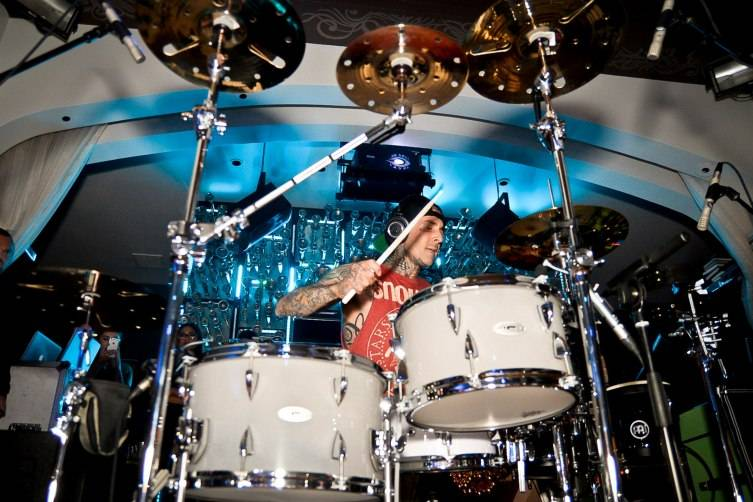 Travis Barker performing inside Hyde Bellagio_5.2.15