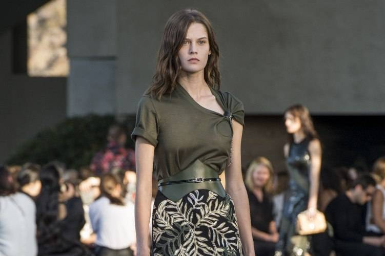 Louis Vuitton Debuts 2016 Cruise Collection 9