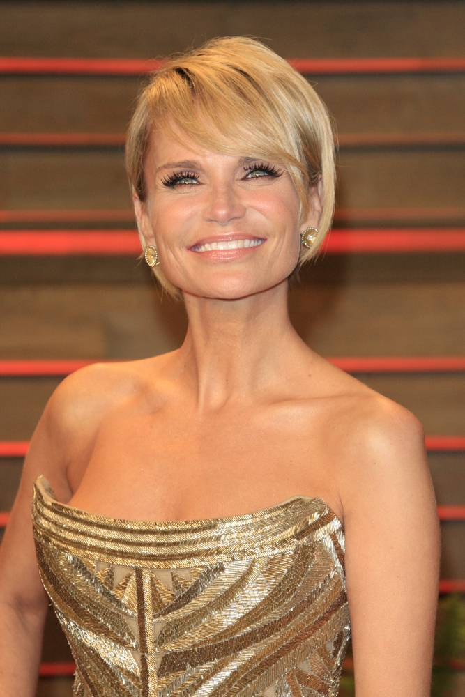 Tony Awards Host Kristin Chenoweth, photo by  Helga Esteb