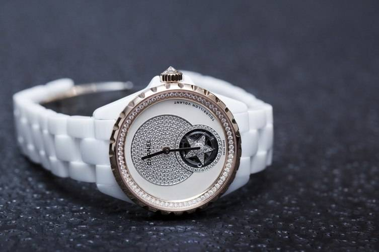wpid-Chanel-J12-Flying-Tourbillon-White-Watch-Baselworld-2015-side.jpg