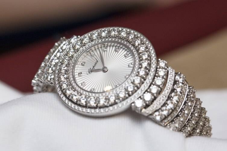wpid-Chopard-L-Heure-du-Diamant-Pave-White-Gold-Watch-Baselworld-2015.jpg