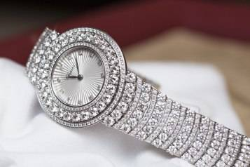 wpid-Chopard-L-Heure-du-Diamant-Pave-White-Gold-Watch-Baselworld-2015-Bracelet.jpg