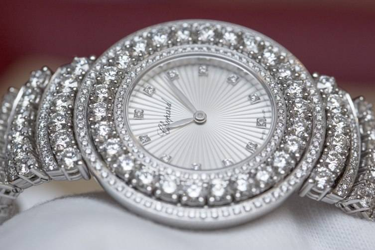 wpid-Chopard-L-Heure-du-Diamant-Pave-White-Gold-Watch-Baselworld-2015-Dial.jpg