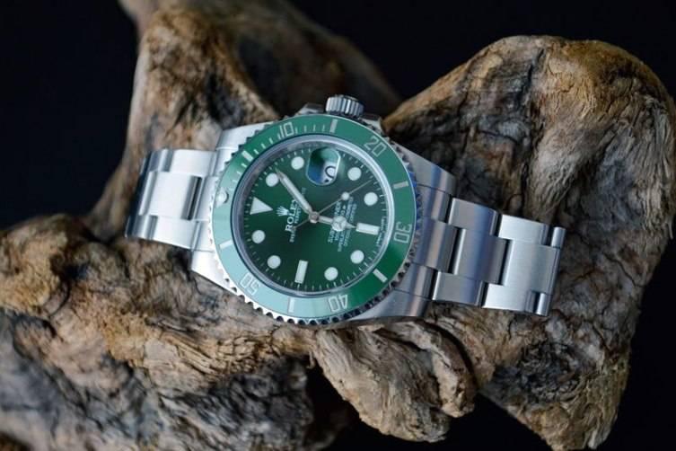 wpid-Rolex-Hulk-Submariner-Reference-116610LV-Watch.jpg