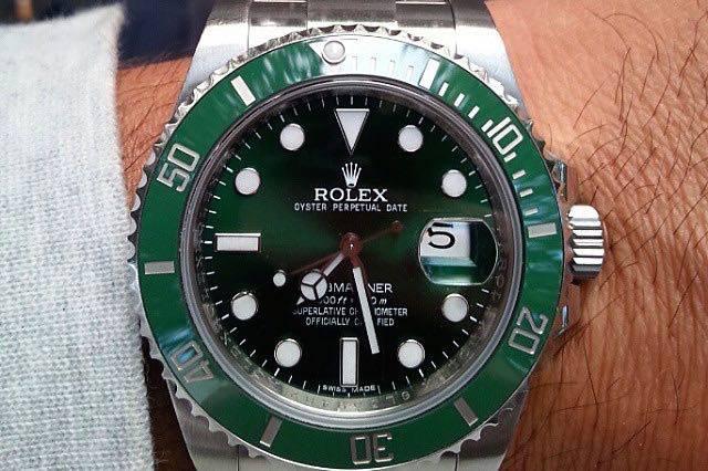 wpid-Rolex-Hulk-Submariner-Reference-116610LV-Watch-Wrist.jpg