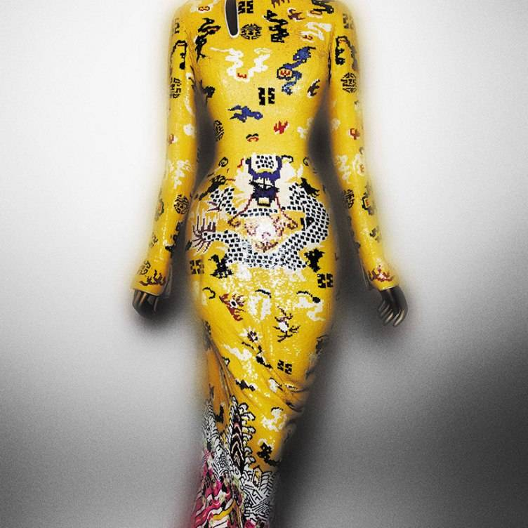 Evening dress, Tom Ford for Yves Saint Laurent, Paris, autumn/winter 2004–5; Courtesy of Yves Saint Laurent, Paris