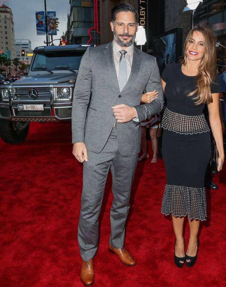 Joe Manganiello and Sofia Vergara arrive at the Jurassic World premiere