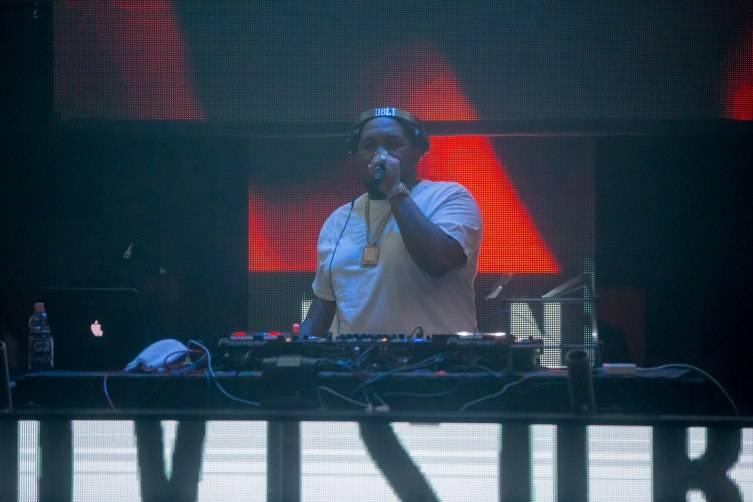 6.24_DJ Mustard_LIGHT Nightclub2 Photo Credit Powers Imagery