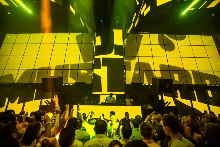 6.24_DJ Mustard_LIGHT Nightclub3 Photo Credit Powers Imagery