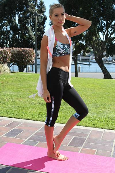 Jolt Zip Hooded Vest, Printed Spirit Bra, Printed Strength Pant