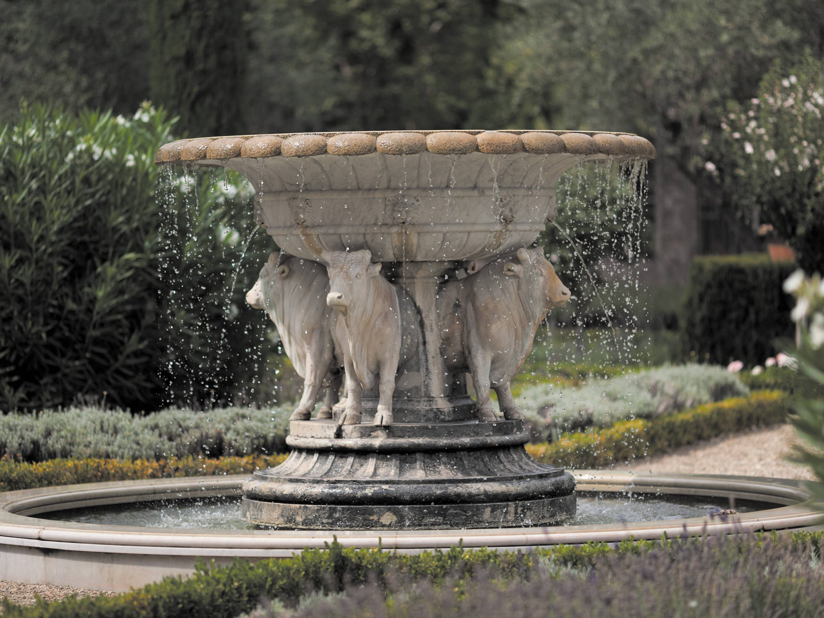 IlPalagio_Fountain_Jaime-Travezan