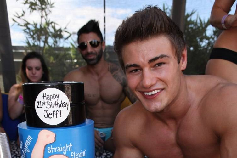 Jeff Seid and cake