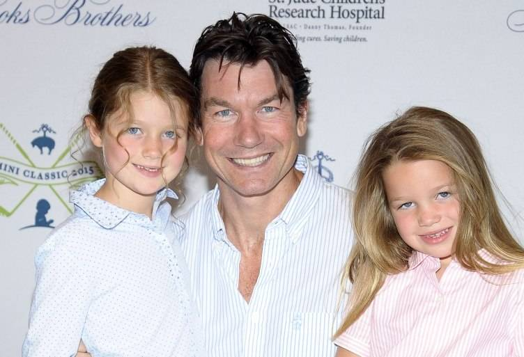 Jerry O'Connell and daughters