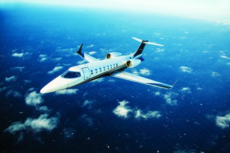 Lear 75 LXi Exterior