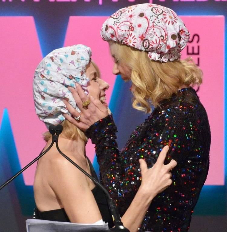 Naomi Watts (L) and honoree Nicole Kidman