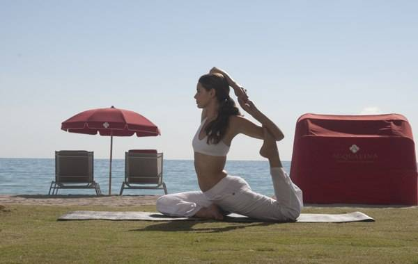 Spa-Yoga-on-Beach-6001