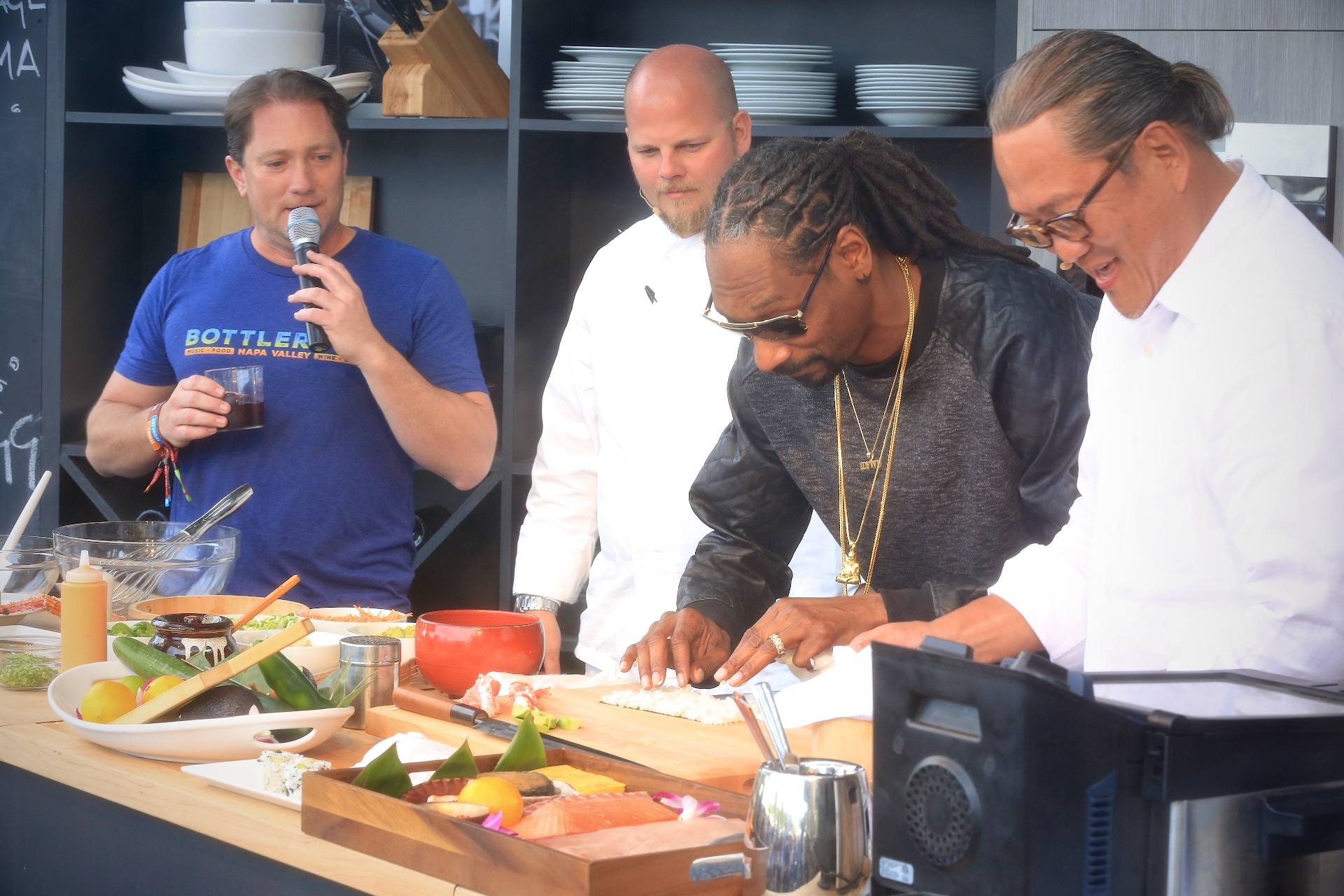 Chef morimoto teaches snoop dogg how to really roll at bottlerock snoop dogg and chef morimoto make sushi kristyandbryce Gallery
