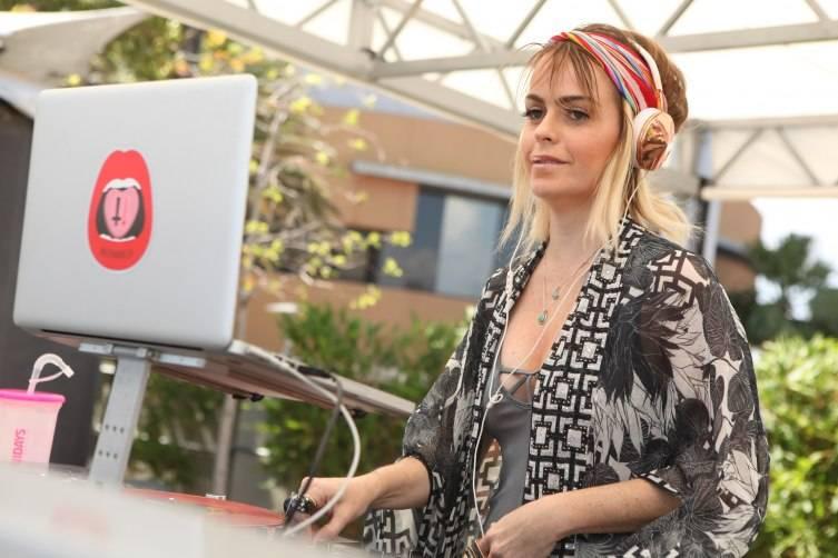 Taryn Manning spinning DJ Set at Ditch Fridays