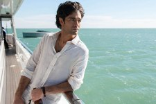 """ADRIAN GRENIER as Vince in Warner Bros. Pictures,' Home Box Office's and RatPac-Dune Entertainment's comedy """"ENTOURAGE,"""" a Warner Bros. Pictures release."""