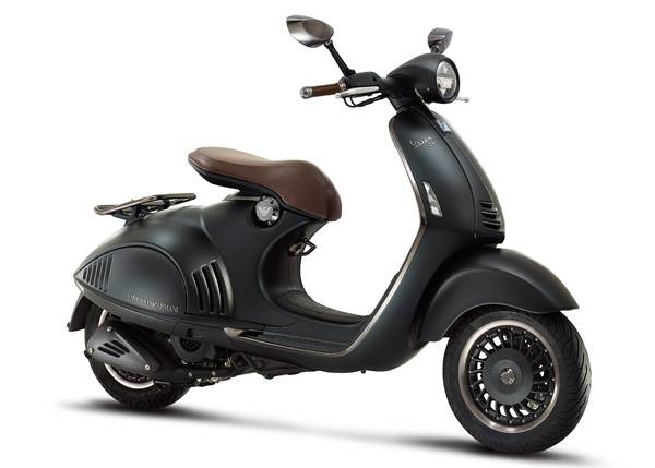 ea-vespa-946_right-side