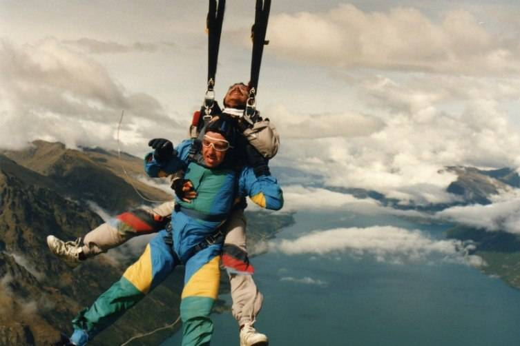 If skydiving is on your dad's bucket list he'll definitely like this gift!