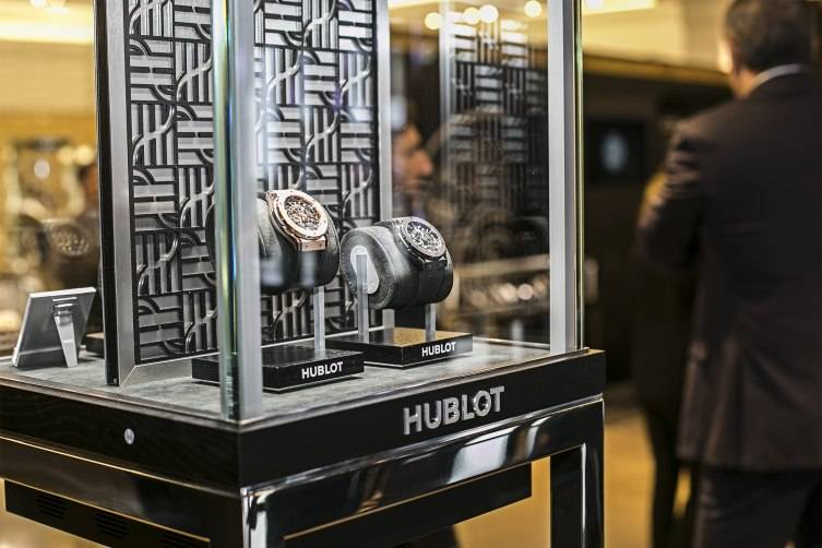 wpid-Hublot-Fluorescent-Fusion-Exhibition-at-Harrods-Big-Bang-watches-2015.jpg