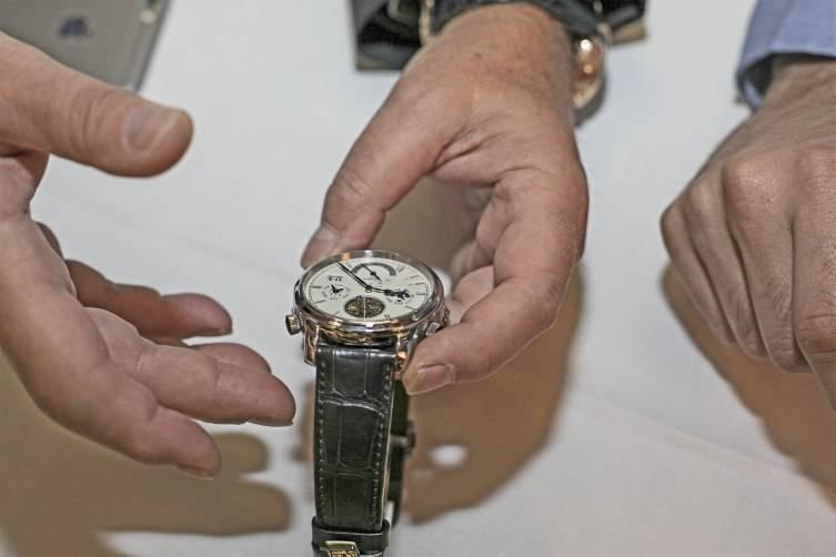 wpid-Yann-Gamard-Arthur-Touchot-Glashu-tte-Original-Grand-Cosmopolite-Tourbillon-watch.jpg