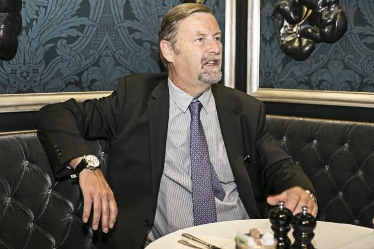 wpid-Yann-Gamard-CEO-Glashu-tte-Original-Grand-Cosmopolite-Tourbillon-watch.jpg