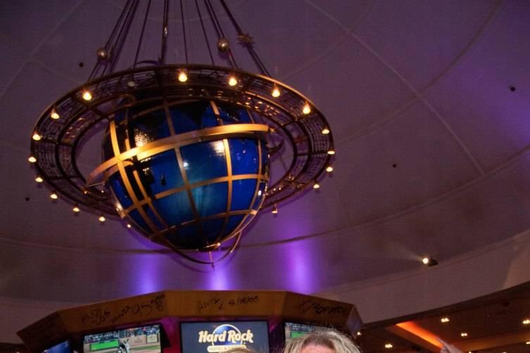 06.28.15_Vince Neil_Center Bar's Final Toast Party 2
