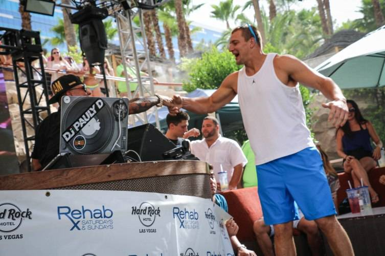 07.13_Pauly D and Rob Gronkowski