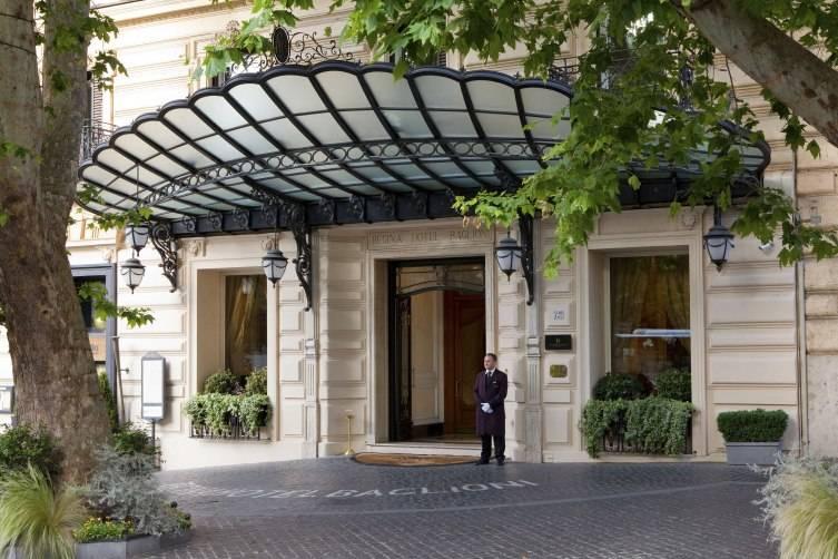 1_Regina_Hotel_Baglioni_Exterior