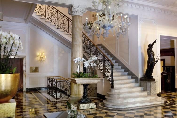 2_Regina_Hotel_Baglioni_Lobby