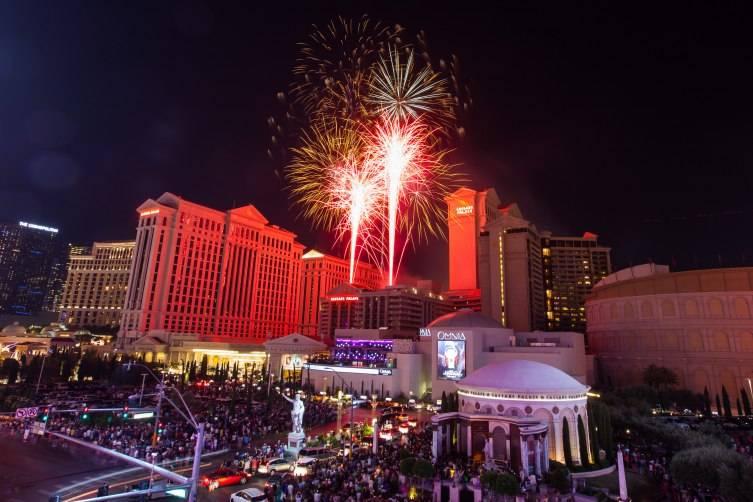 7.4.15- July 4 Fireworks at Caesars Palace