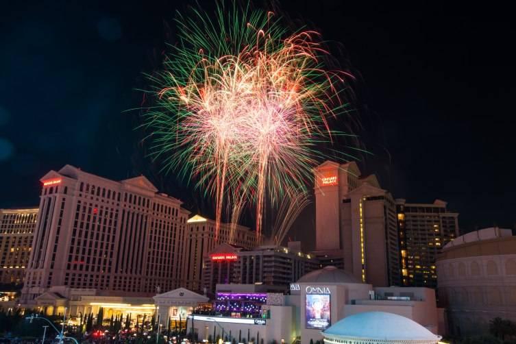 7.4.15- July 4 Fireworks at Caesars Palace 2