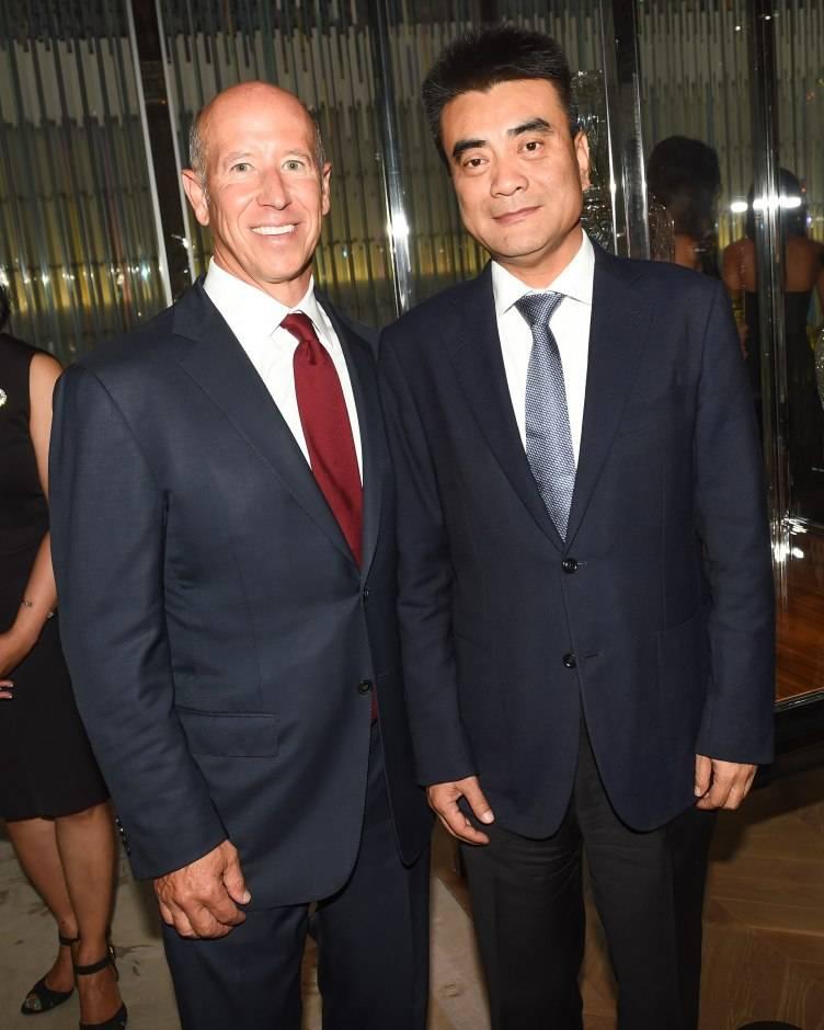 Barry Sternlicht, Zhang Weigong