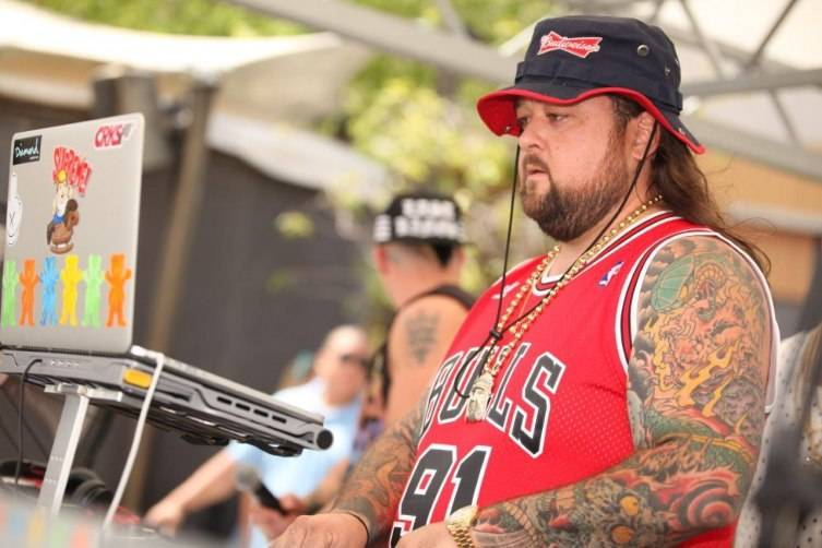 Closeup of Chumlee Spinning