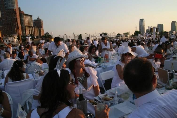 Diner En Blanc Photo Credit Jessica Barnett