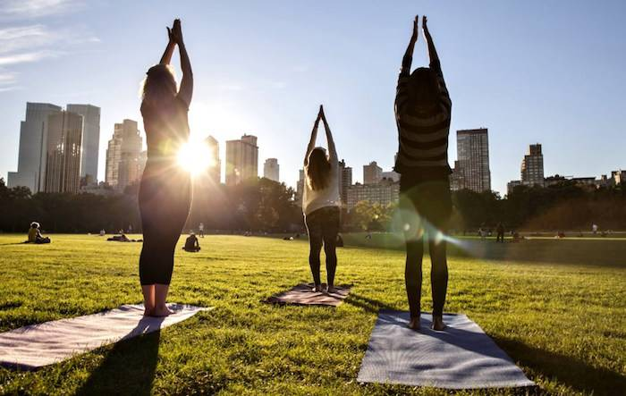 NYC-outdoor-yoga-2