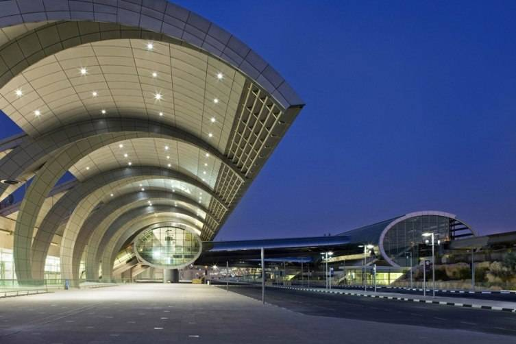 T3DubaiAirport1_918x612_lightbox1_DubaiAirport