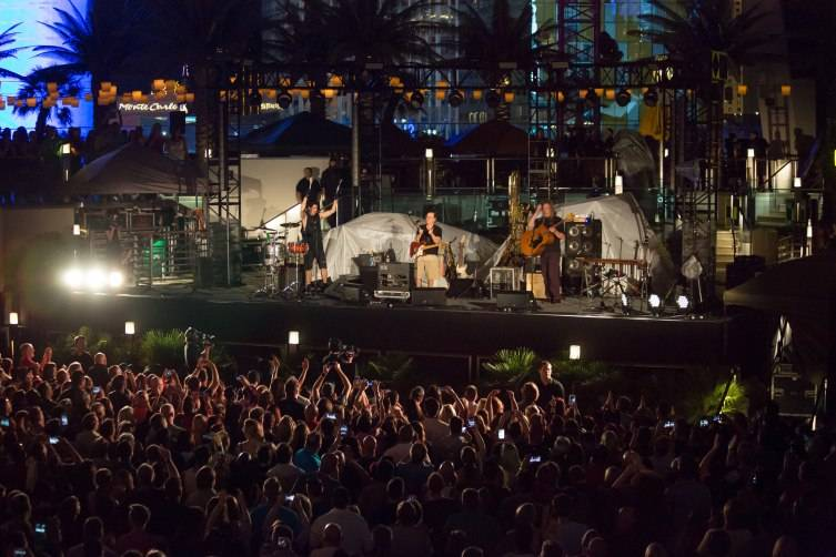 Violent Femmes Perform at The Cosmopolitan of Las Vegas_July 18_Graff 3