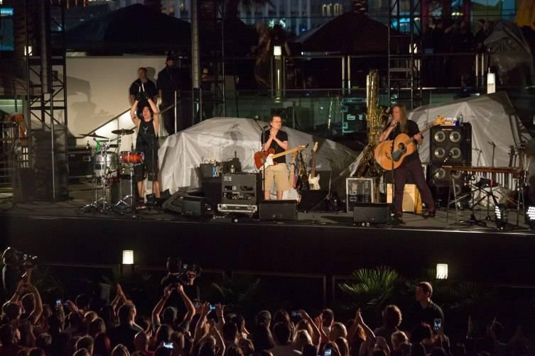 Violent Femmes Perform at The Cosmopolitan of Las Vegas_July 18_Graff 4