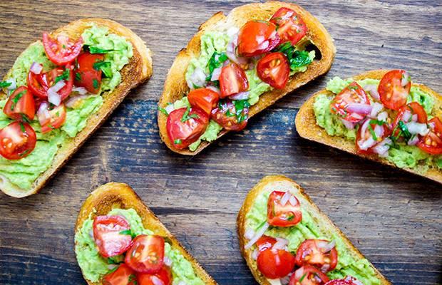 bruschetta-guacamole