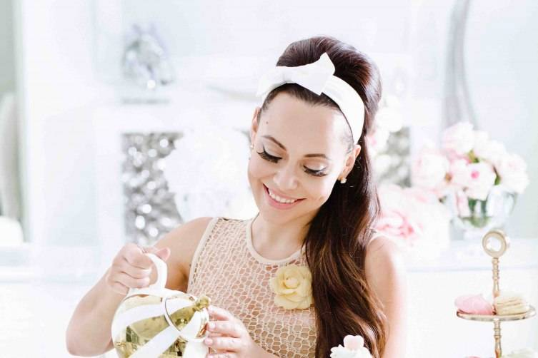 Adrienne Bosh pouring tea