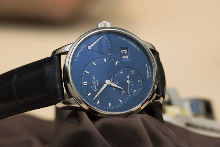 Glashu--tte-Original-PanoReserve-Blue-Watch-2015