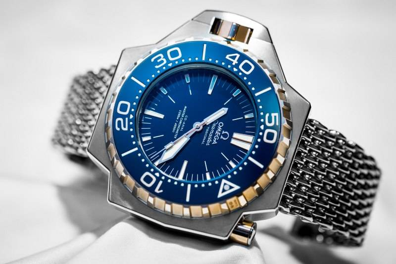 Omega-Seamaster-Ploprof-1200M-Master-Chronometer-Co-Axial-Blue-Dial