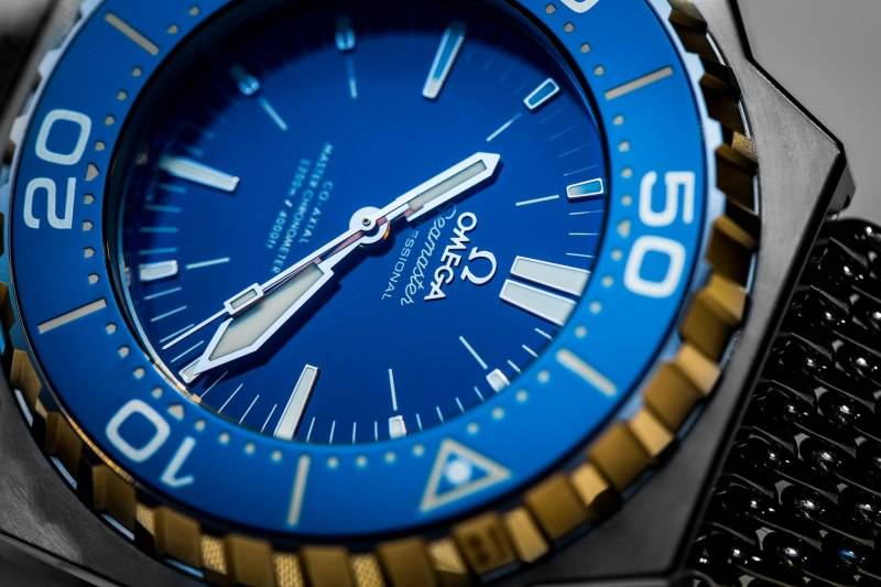 Omega-Seamaster-Ploprof-1200M-Master-Chronometer-Co-Axial-Blue-Dial-Close-Up