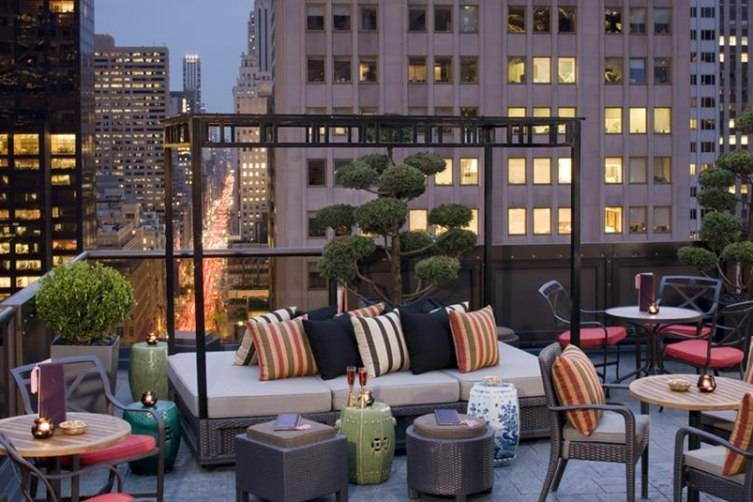 La Piscine. The Hotel Americanou0027s Rooftop Bar Has Sweeping Views Of Lower  Manhattan ...
