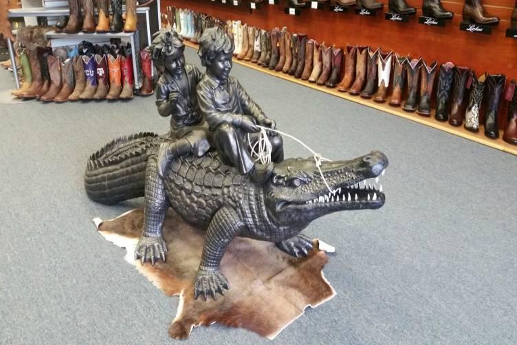 Bronco Western Wear